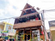 Tree Top (restaurant), Labuan Bajo, East Nusa Tenggara, Indonesia